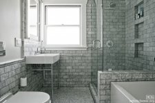black-and-white marble bathroom